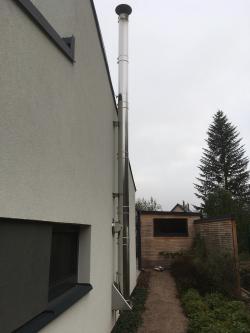 Stavba nerezového třísložkového komínu